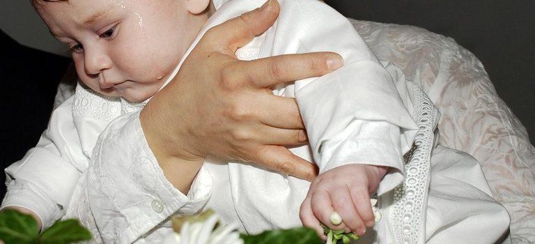 Ce-avem-nevoie-pentru-botez-copil.-Sfaturi-mamici-pe-blog-American-Ballroom